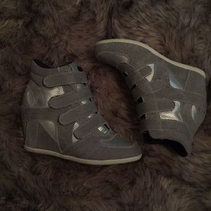 Shoes - Wedge 4 strap ankle tennis shoe